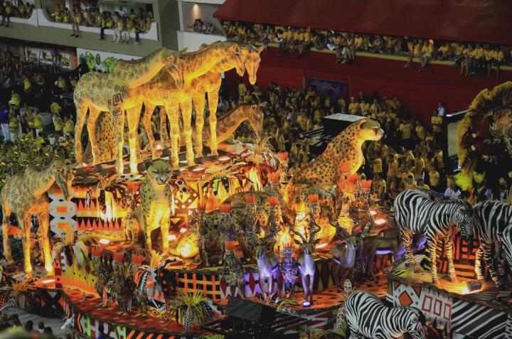 Rio_Carnival_Parade.jpg